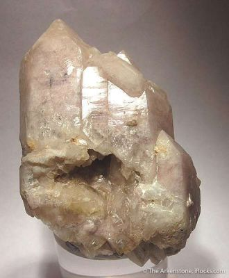 Montmorillonite in Quartz