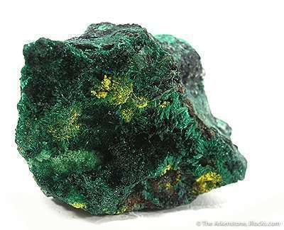 Guilleminite on Malachite