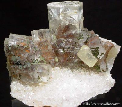 Calcite (Phantoms) on Quartz