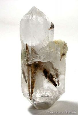 Quartz Enclosing Rutile and Brookite