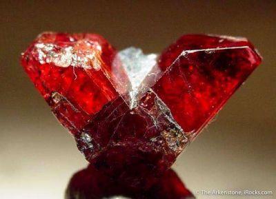 Rhodonite (Twin)