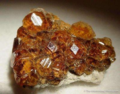 Grossular (V. Hessonite) Garnet