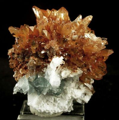 Creedite With Fluorite