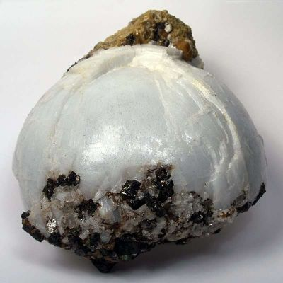 Anhydrite With Garnet