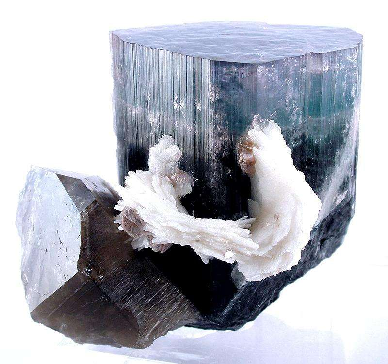 Tourmaline With Cleavelandite on Quartz