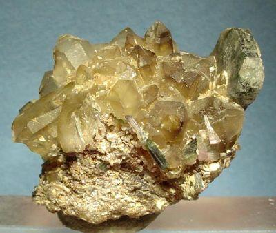 Apatite-(Caf), Quartz (Var: Smoky Quartz), Elbaite, Lepidolite