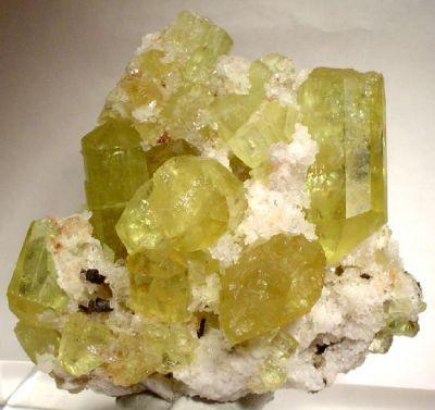 Apatite-(Caf), Hematite (Var: Martite)