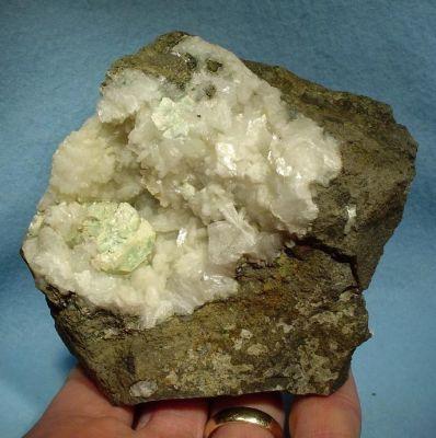 Apophyllite, Epistilbite, Chabazite