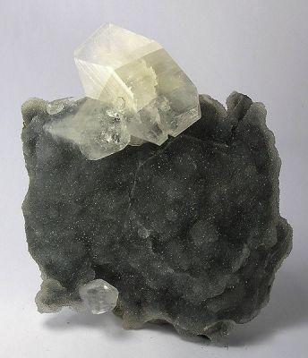 Apophyllite-(Kf), Quartz