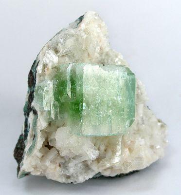 Apophyllite-(Kf)