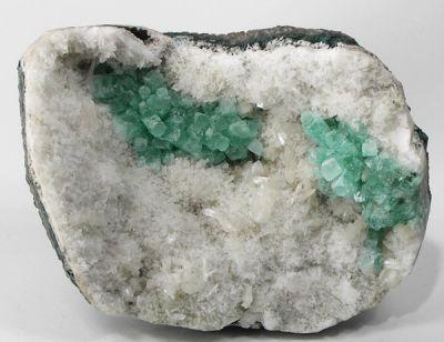 Apophyllite-(Kf), Stilbite-Ca, Quartz