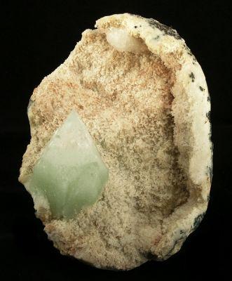 Apophyllite-(Kf), Epistilbite, Quartz