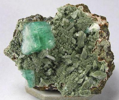 Apophyllite-(Kf), Heulandite