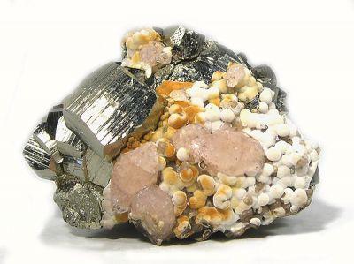 Apophyllite-(Koh), Pyrite, Tobermorite