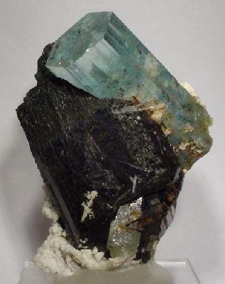 Beryl (Var: Aquamarine), Schorl, Microcline