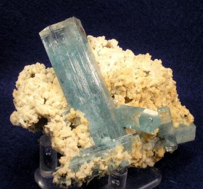 Beryl (Var: Aquamarine), Orthoclase, Opal (Var: Opal-An)