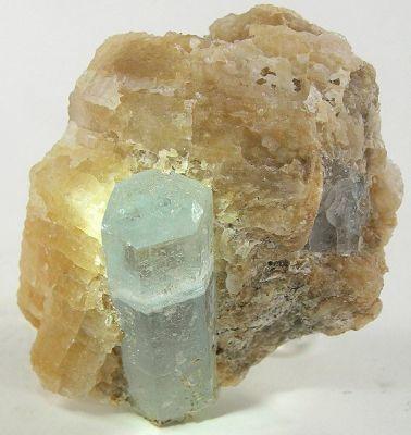 Beryl (Var: Aquamarine), Calcite