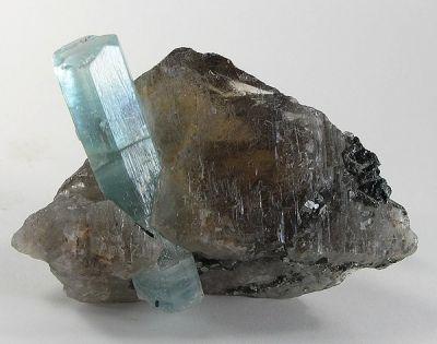 Beryl (Var: Aquamarine), Quartz (Var: Smoky Quartz)