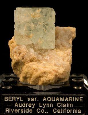 Beryl (Var: Aquamarine), Feldspar Group