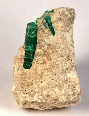 Beryl (Var: Emerald)