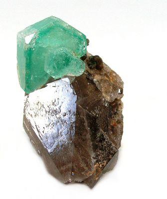 Beryl (Var: Emerald), Quartz (Var: Smoky Quartz)