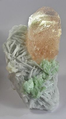 Beryl (Var: Morganite), Albite (Var: Cleavelandite)