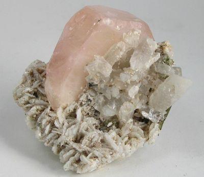 Beryl (Var: Morganite), Elbaite, Albite (Var: Cleavelandite), Quartz
