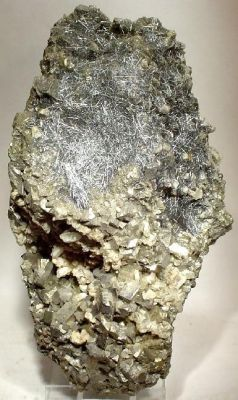 Boulangerite, Arsenopyrite, Pyrite, Quartz
