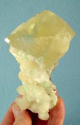 Calcite, Stilbite-Ca, Apophyllite-(Kf)
