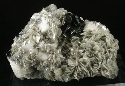 Cassiterite, Muscovite, Albite