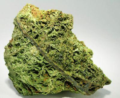 Chenevixite, Olivenite