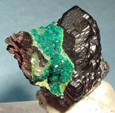 Dioptase, Heterogenite, Calcite
