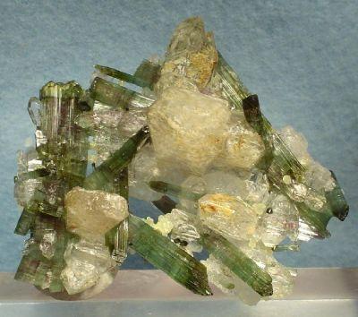 Elbaite, Quartz, Apatite-(Caf)