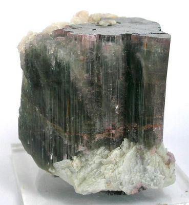 Elbaite, Albite (Var: Cleavelandite)
