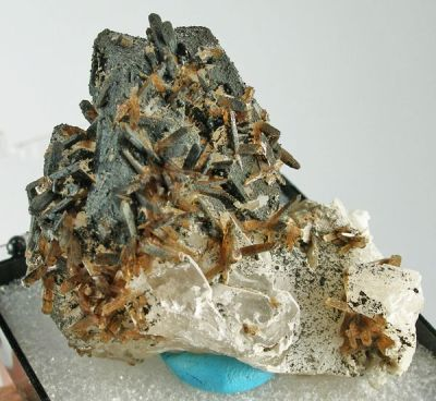 Eosphorite, Quartz