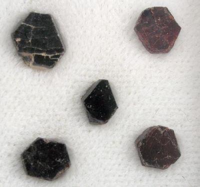Ferronigerite