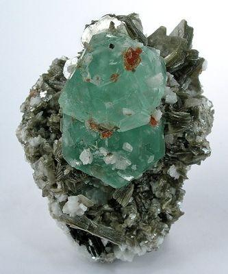 Fluorite, Spessartine, Albite (Var: Cleavelandite), Muscovite