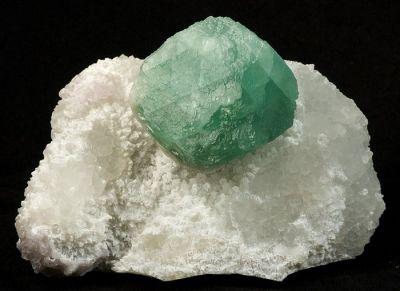 Fluorite, Quartz (Var: Rose Quartz), Quartz