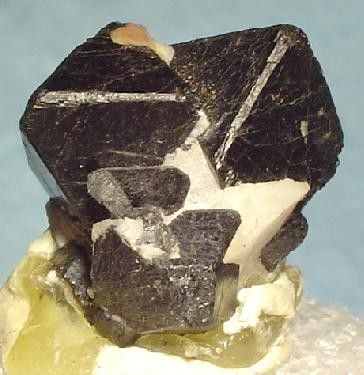 Franklinite, Calcite