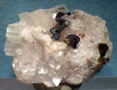 Hematite, Magnesite