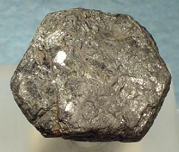 Hibonite