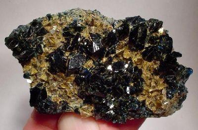Lazulite, Siderite