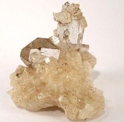 Magnesite, Quartz