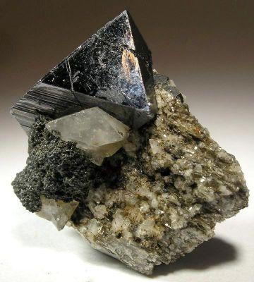 Magnetite, Adularia