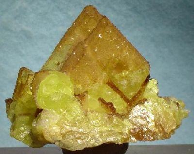 Melanophlogite, Sulfur
