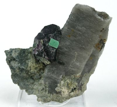 Metazeunerite, Quartz