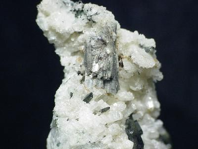 Monteregianite-(Y), Aegirine, Pectolite