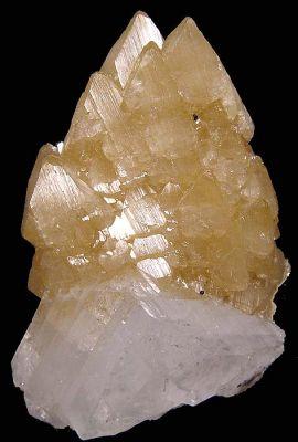 Powellite, Apophyllite