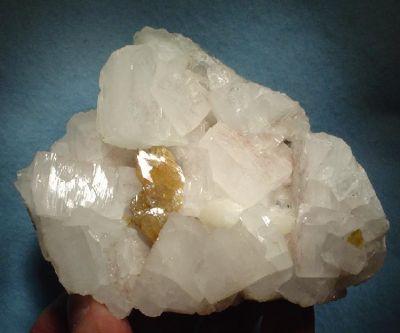 Powellite, Apophyllite-(Kf)