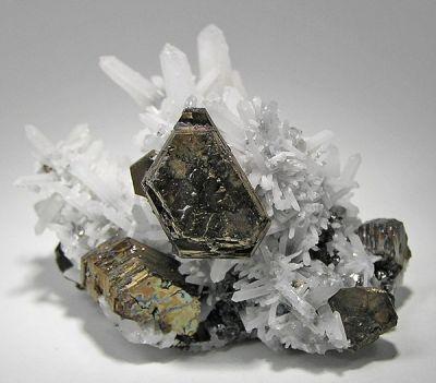 Pyrrhotite, Sphalerite, Quartz